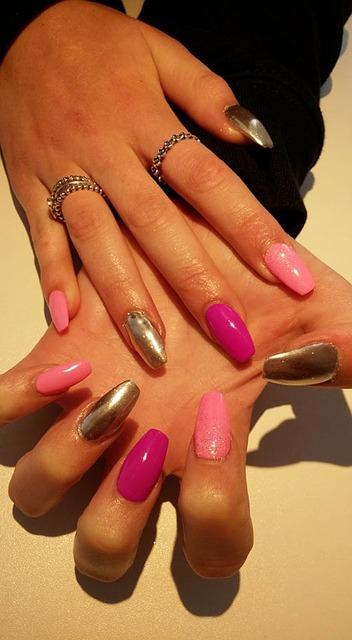 nail-art-1574557_640